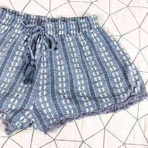 Lush Chambray Floral Knit Slip On Shorts S